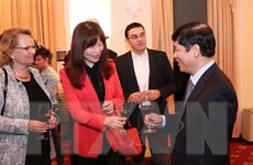 Gặp gỡ phóng viên, trợ lý, tùy viên báo chí nước ngoài tại Việt Nam