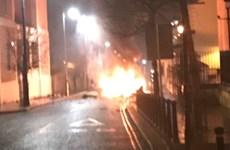 Anh: Một chiếc xe phát nổ nghi do cài bom tại Bắc Ireland