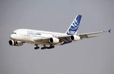 Hãng hàng không Qantas hủy đơn hàng tám máy bay A380