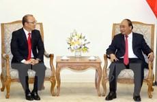 Thủ tướng Nguyễn Xuân Phúc tiếp huấn luyện viên trưởng Park Hang-seo