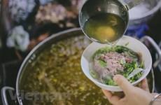 Phóng viên được phục vụ miễn phí ẩm thực truyền thống Hà Nội