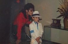 Nhiều đài phát thanh ở Canada tẩy chay nhạc của Michael Jackson
