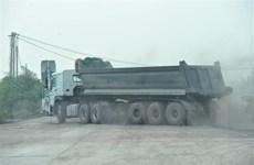 Xác minh phản ánh việc xe quá tải ngang nhiên hoạt động tại Ba Vì