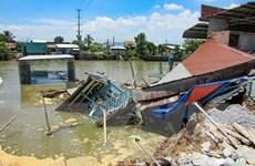 Cần Thơ: Hỗ trợ các hộ dân có nhà bị nhấn chìm do sạt lở bờ kênh