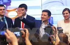 Bầu cử Ukraine: Lãnh đạo nhiều nước chúc mừng ông Zelensky
