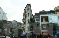 Hà Nội yêu cầu xử lý 63 trường hợp nhà 'siêu mỏng, siêu méo' mới