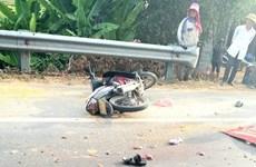 Quảng Bình: Xe tải va chạm xe máy làm 2 người chết tại chỗ
