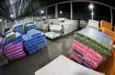 Mỹ áp thuế chống bán phá giá thùng đựng bia và đệm của Trung Quốc
