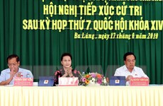 Chủ tịch Quốc hội Nguyễn Thị Kim Ngân tiếp xúc cử tri tại Cần Thơ