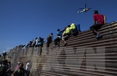 Mỹ tăng ngân sách để giải quyết tình trạng ở biên giới phía Nam