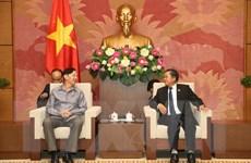 Phó Chủ tịch Quốc hội tiếp Đoàn Viện Nghiện cứu pháp luật Quốc hội Lào