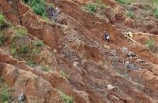 Yên Bái: Người dân đổ xô đi đào vàng sau tin đồn đào được đá quý 5 tỷ