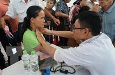 Khám sàng lọc miễn phí bệnh tiểu đường cho người dân miền Trung