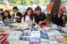 'Cuộc chiến' với xuất bản phẩm giả: Nói không với sách giả
