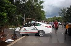 Quảng Nam: Xe taxi va chạm với xe máy, 2 người tử vong