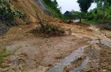 Lào Cai: Sạt lở đất làm 1 người chết, tỉnh lộ 152 gián đoạn lưu thông