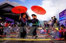 Hơn 10.000 người tham gia xác lập kỷ lục nhảy sạp tại Fansipan