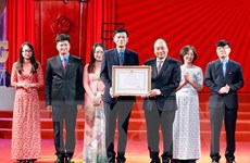 Thủ tướng dự Lễ kỷ niệm 90 năm ngày xuất bản số Báo Lao động đầu tiên