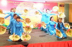 Cuộc thi hát tiếng Việt dành cho kiều bào vùng Đông Bắc Thái Lan