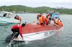 Bà Rịa-Vũng Tàu: Cứu kịp thời 19 khách du lịch trên canô bị lật