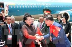 Hình ảnh Chủ tịch Quốc hội Nguyễn Thị Kim Ngân xuống sân bay Thái Lan