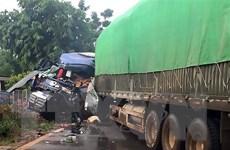 Sơn La: Xe tải va chạm với xe đầu kéo khiến một người chết
