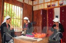 Gìn giữ, phát huy nghề thêu thổ cẩm của người Dao ở Cao Bằng