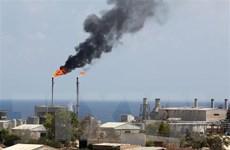 Giá dầu thế giới đi lên theo đà tăng mạnh của cổ phiếu năng lượng