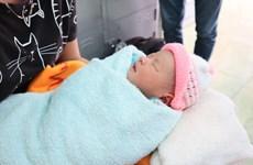 Bình Phước: Tìm cha mẹ bé gái sơ sinh bị bỏ rơi trước cổng chùa