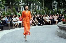 Ngắm nhìn những bộ trang phục khai mạc Tuần lễ thời trang Xuân hè 2020