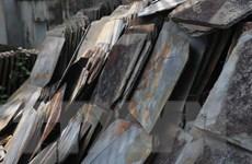 Độc đáo mái nhà sàn lợp bằng đá của người Thái trắng ở Mường Lay