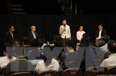 Trưởng đặc khu Hong Kong tiến hành cuộc đối thoại cộng đồng đầu tiên