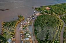 Những hình ảnh cho thấy nguy cơ sạt lở 'bủa vây' bán đảo Cà Mau