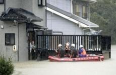Gió mưa dữ dội khi siêu bão Hagibis đổ bộ vào nước Nhật