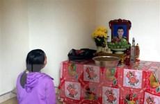 Một số gia đình mất liên lạc với người thân đi Anh lên tiếng