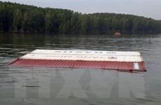 Rà quét container trong vụ chìm tàu trên sông Lòng Tàu