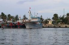 Thừa Thiên-Huế không cho tàu thuyền ra khơi, Ninh Thuận họp khẩn