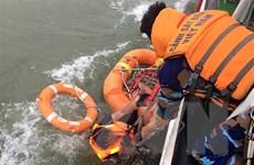 Cứu thuyền viên tàu Thành Công 999 bị chìm trên biển Hà Tĩnh