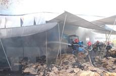 Bình Phước: Lửa thiêu rụi xưởng bao bì, ước thiệt hại 800 triệu đồng