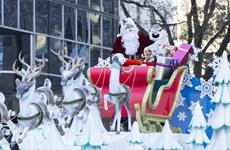 Tưng bừng rực rỡ cuộc diễu hành ông già Noel Toronto