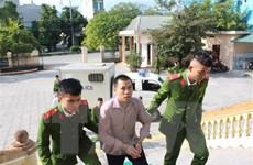 Hòa Bình: Em rể chém chị dâu lĩnh án 17 năm tù giam