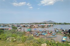 Kịp thời hỗ trợ người gốc Việt thuộc diện di dời ở khu vực Biển Hồ