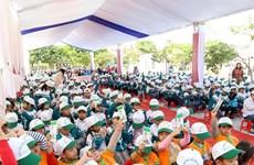 Trẻ em Hà Nam hào hứng tham gia phát động chương trình sữa học đường