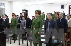 Bị cáo Nguyễn Bắc Son động viên gia đình nộp hết số tiền 3 triệu USD
