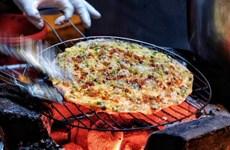 'Pizza Đà Lạt' - Món ăn vặt được nhiều du khách yêu thích