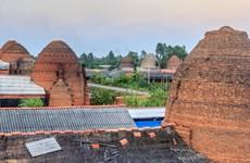 Về miền Tây tham quan thành phố gạch nung cổ Mang Thít