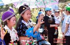 Những sắc màu hồn nhiên tại bản người Mông Huồi Giảng