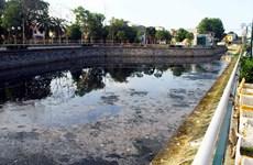 Nghệ An: Kênh hào thành cổ Vinh ô nhiễm nghiêm trọng, bốc mùi hôi thối