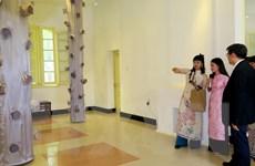 Triển lãm kiến trúc Nhật trên nền chất liệu lụa truyền thống Việt Nam