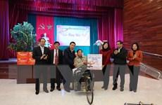 Trưởng Ban Tổ chức TW thăm Trung tâm thương binh Thuận Thành